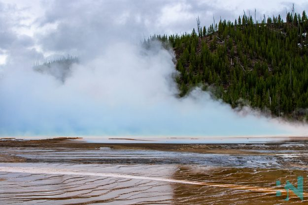 Yellowstone-National_Park-Colorful-Pool